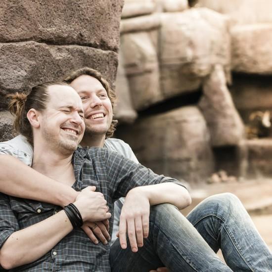 Gestylde Loveshoot David en Rem: fotograaf Karin Keesmaat van Kijk-Kunst bruidsfotografie