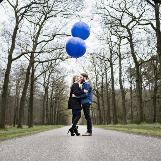 Gestylde Loveshoot Paulien en Jim: fotograaf Karin Keesmaat van Kijk-Kunst bruidsfotografie