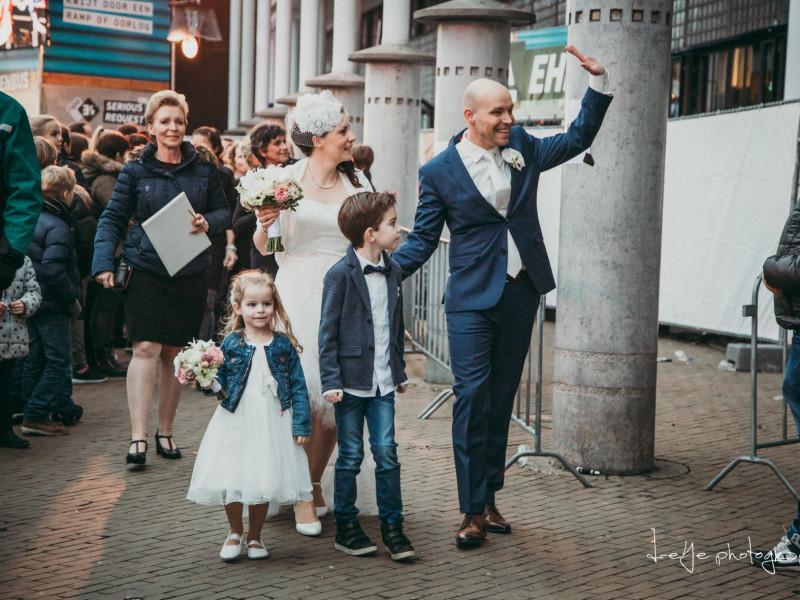 Bruidspaar Serious Request met weddingplanner Marian van Stralend Middelpunt