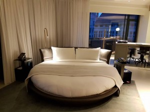 Rond bed W Amsterdam hotel weddingplanners rondleiding
