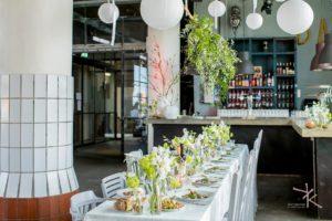 Gestylde tafel bij Het Koelhuis: fotograaf Karin Keesmaat van Kijk-Kunst bruidsfotografie