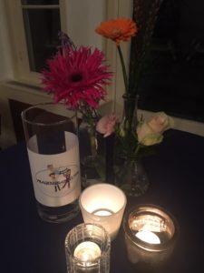 Vragengrabbelton, bloemen en waxinelichthouders Nationale Vrijwilligersdag wijk Osseveld-Woudhuis