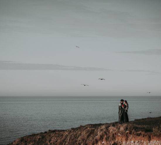 Bruidspaar op de kliffen van Etretat, foto My Eye Fotografie