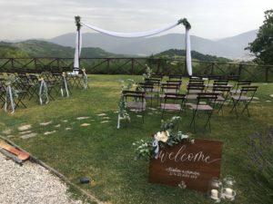 Ceremoniesetting in Italië Umbrië foto Stralend Middelpunt