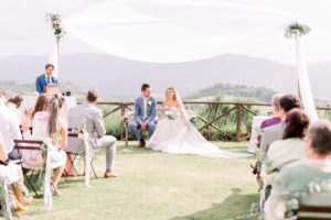 Bruidspaar Italië vriend speecht. Foto: Jessica Photography